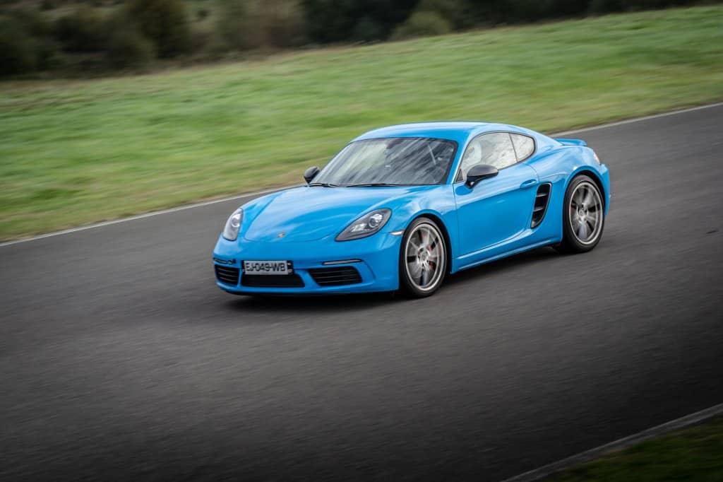 Armada Racing Porsche 718 Cayman S bleu en covering