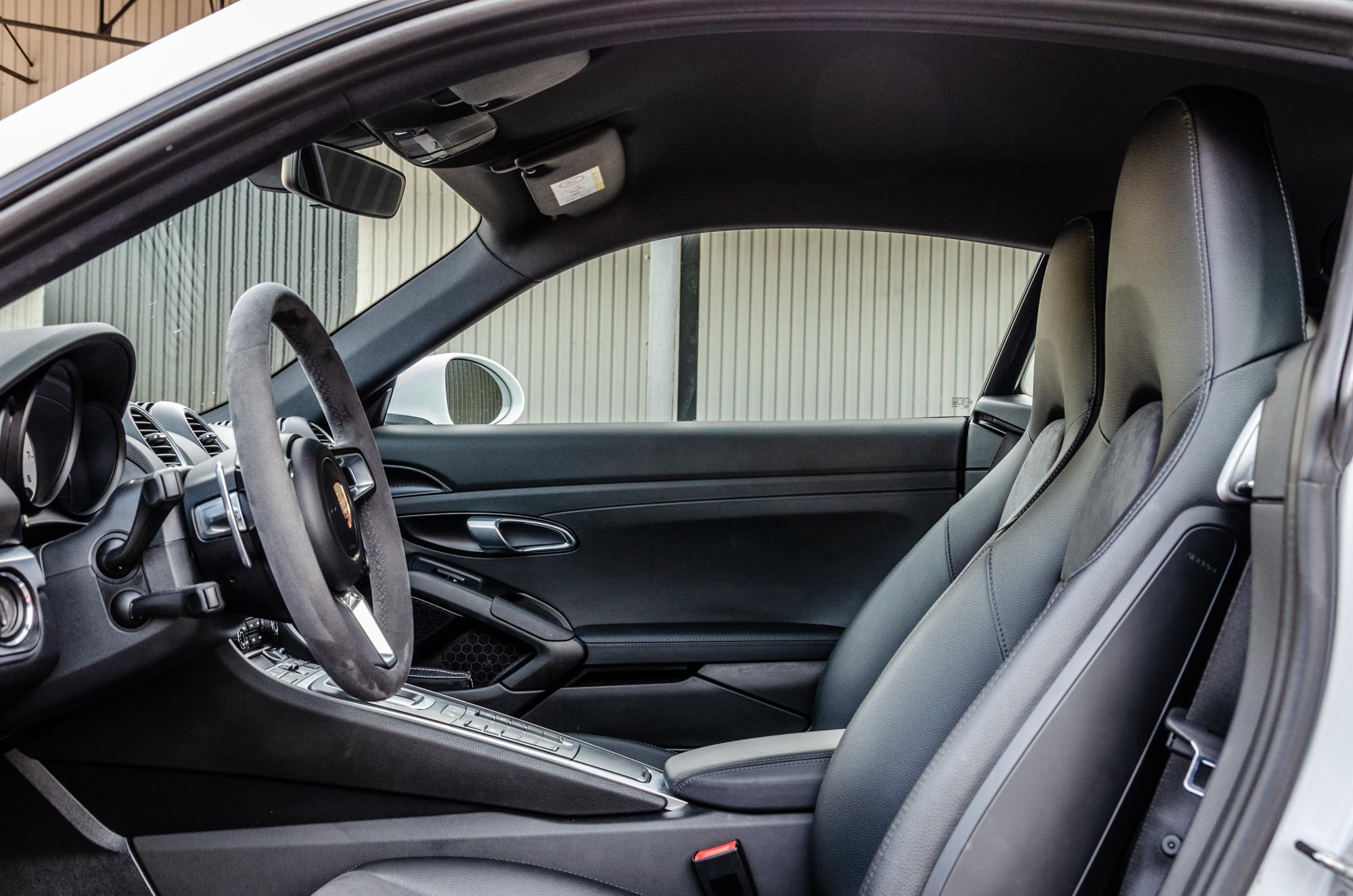 armada-racing-porsche-cayman-s-location-voitures-sportives-limoges-10
